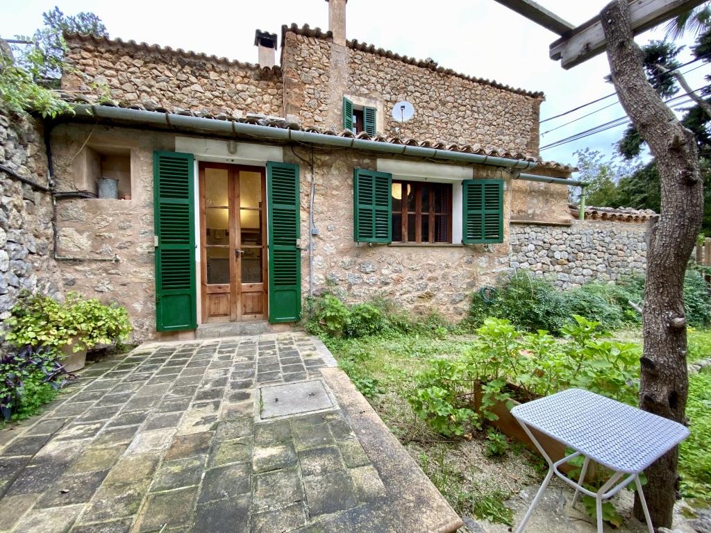 Casa de pueblo con parcela urbana en Deià